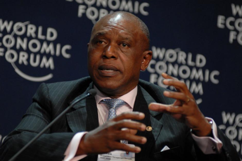 Tokyo Sexwale ha estado al frente del comité contra el racismo en la FIFA y ahora va por la presidencia de dicha institución