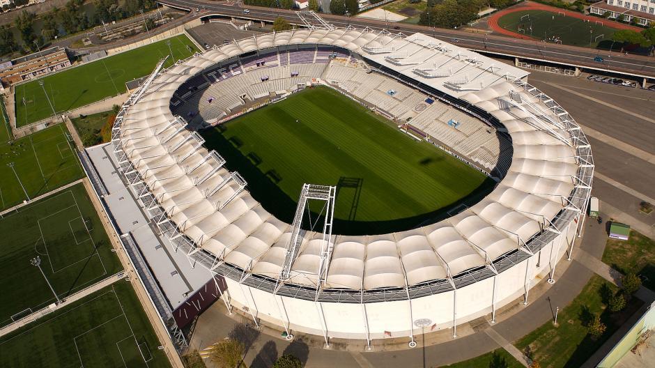 El estadio tiene capacidad para recibir 33 mil espectadores. (Foto: templosdelfutbol.com)