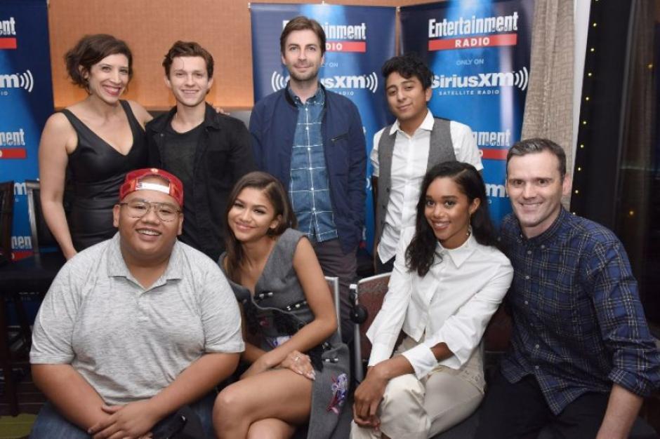 El elenco se reunió con emoción para contar su experiencia en rodaje. (Foto: AFP)
