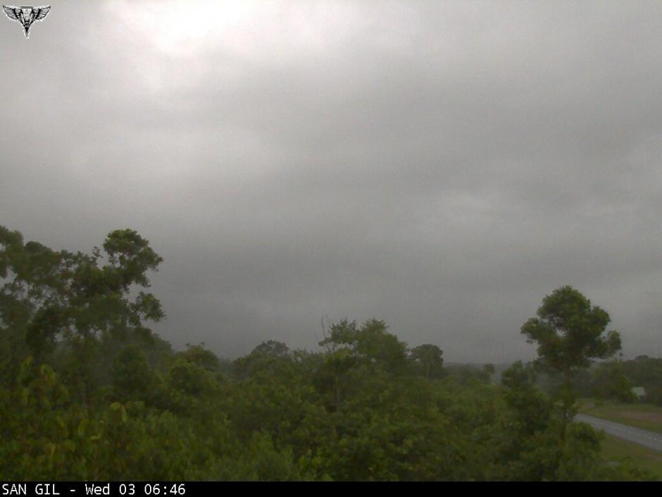 Se reporta un amanecer lluvioso en Río Dulce, Izabal. (Foto: @ClimaenGuate)