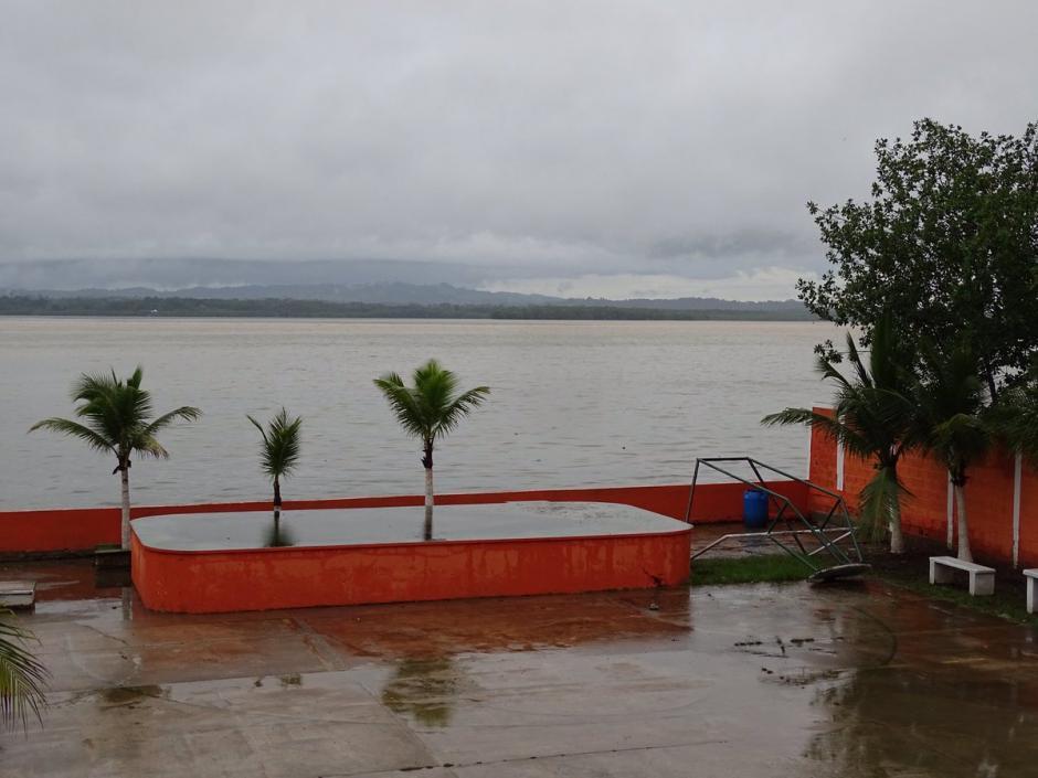 Este era el panorama de Puerto Barrios, Izabal luego de las lluvias provocadas por la Tormenta Earl. (Foto: @ClimaenGuate)