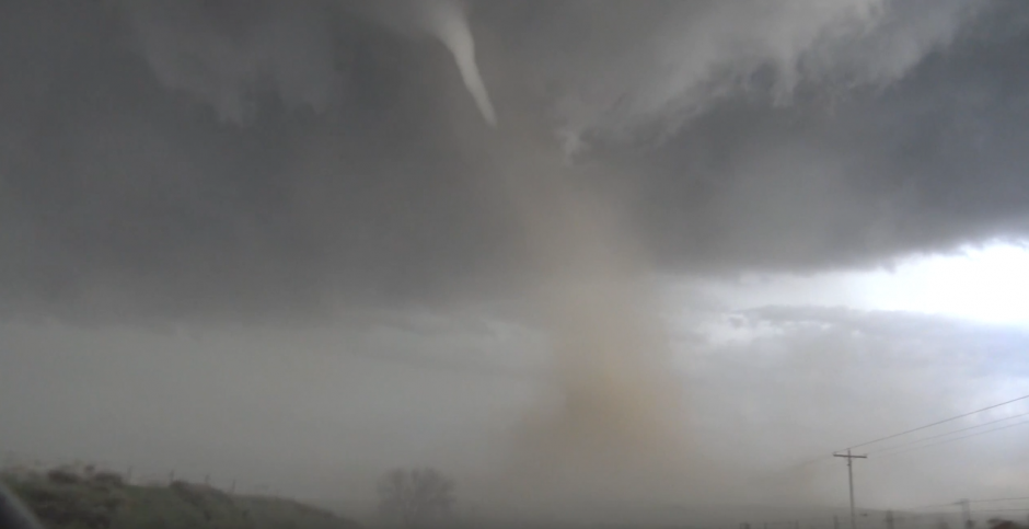 Las imágenes del tornado en Colorado se viralizan. (Captura de pantalla: YouTube/AccuWeather)