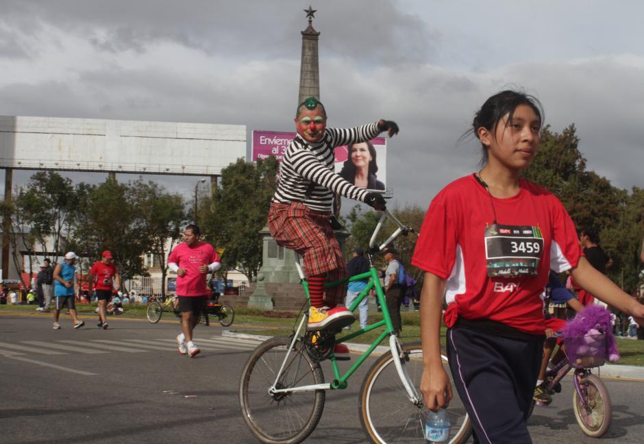 Los payasos buscan sacar las risas de su público con disfraces y chistes. (Foto: Archivo/Soy502)