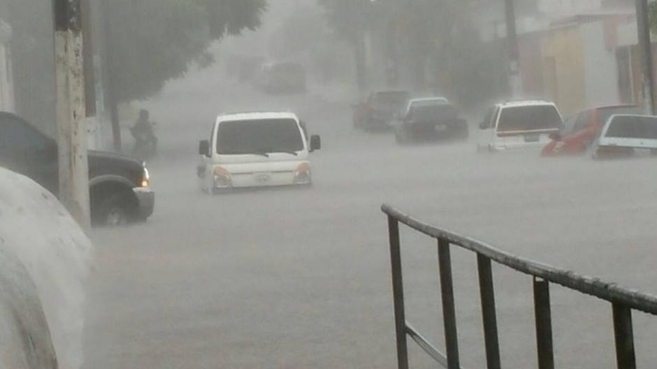 En el sector conocido como las Charcas se reportaron inundaciones. (Foto: cortesía Conred)