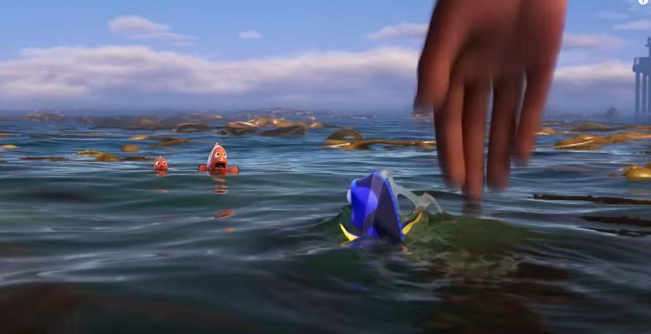 Dory es atrapada y llevada a un acuario. (Captura de pantalla: TheEllenShow/Youtube)
