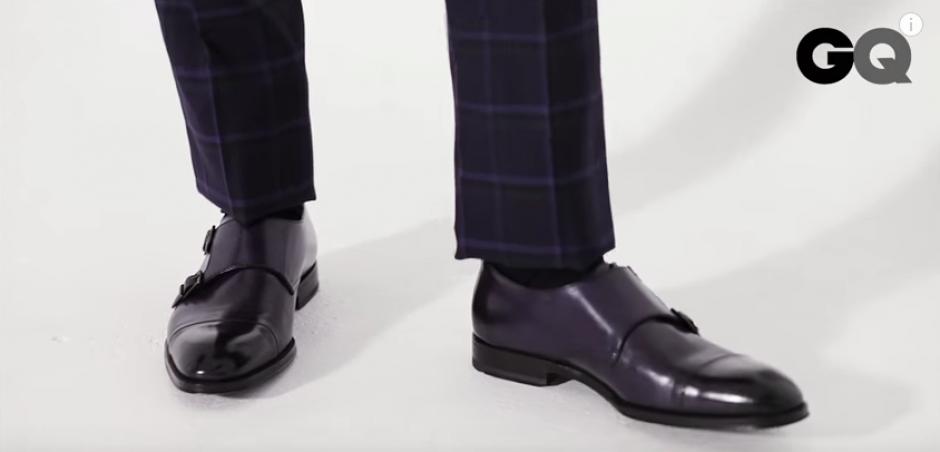 El largo del pantalón debe quedar entre el tobillo y el zapato. (Foto: GQ)