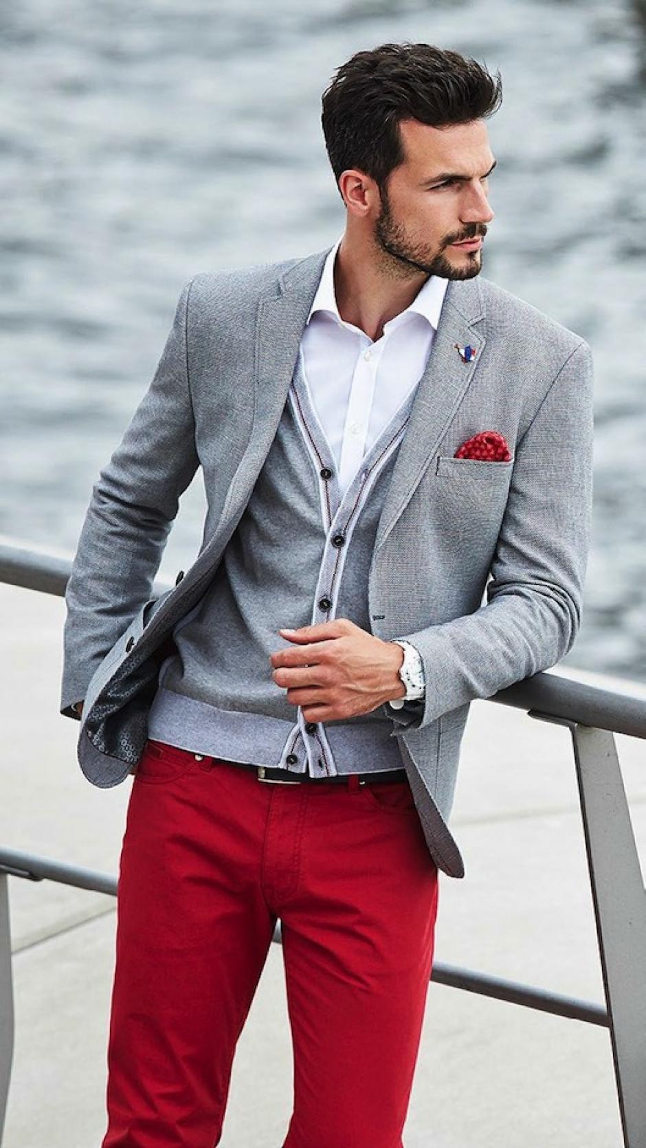 Los pantaones no necesariamente deben ser iguales al saco. (Foto: google)