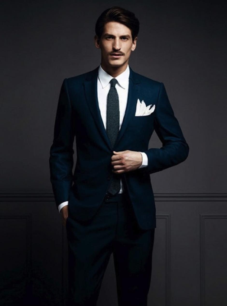 El ancho de la corbata debe coincidir con el ancho de la solapa. (Foto: laguiadelvaron.com)