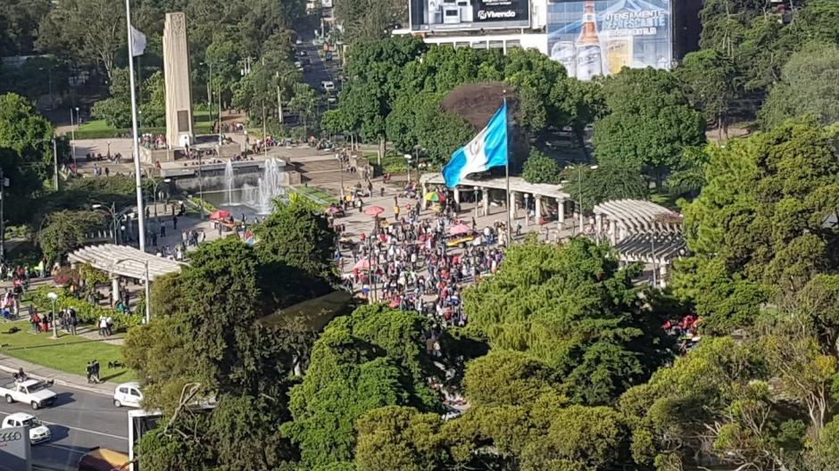 Al menos 3 mil maestros podrían participar en manifestación que se enfilará sobre la Avenida Reforma. (Foto: @amilcarmontejo)