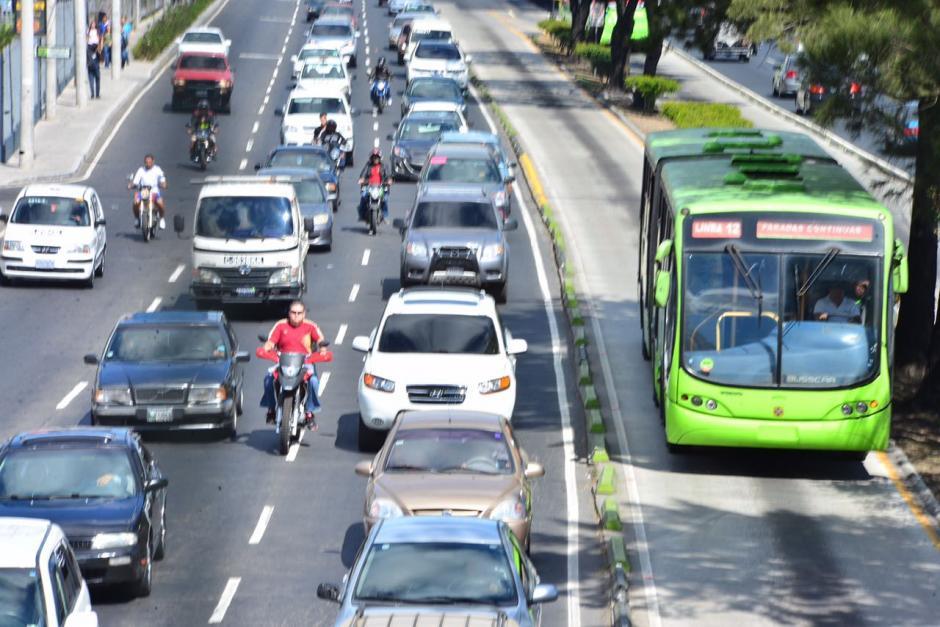 Varias de las vías principales de la ciudad capital se encuentran congestionadas. (Foto: Jesús Alfonso/Soy502)