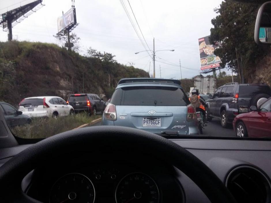 El ingreso a San Cristóbal estuvo lento por el percance. (Foto: Somos Ciudad San Cristóbal/Facebook)