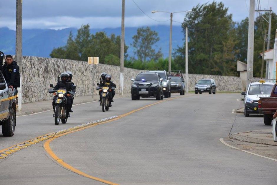 Baldetti fue movilizada en una camioneta negra y con el apoyo del Grupo de Reacción Inmediata Lobos (Gril). (Foto: Wilder López/Soy502)