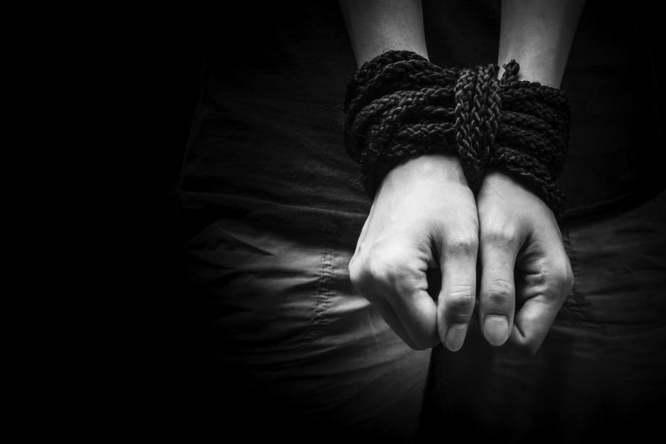 Los delincuentes utilizan las redes sociales para contactar a sus víctimas. (Foto: laprensa.hn)