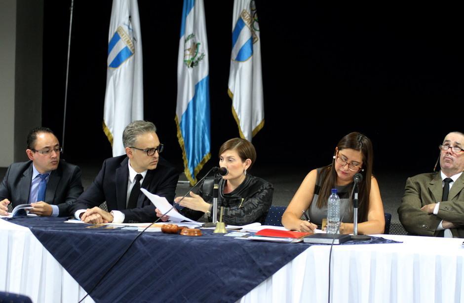 Los miembros del Tribunal de Honor de la CDAG reprogramaron la audiencia contra la Fedefutbol, debido a que a las 16 horas concluye el horario laboral. (Foto: Luis Barrios/Soy502)
