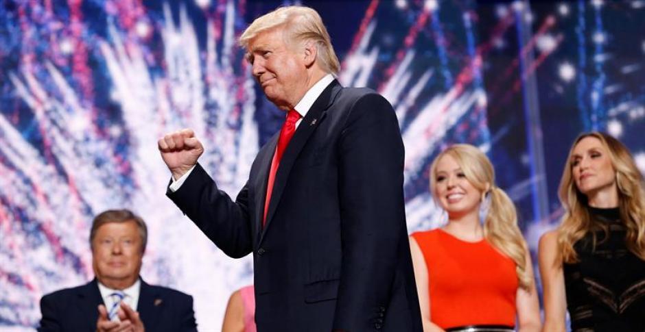 El candidato republicano a la presidencia, Donald Trump, reacciona tras ofrecer un discurso. (Foto: Efe)