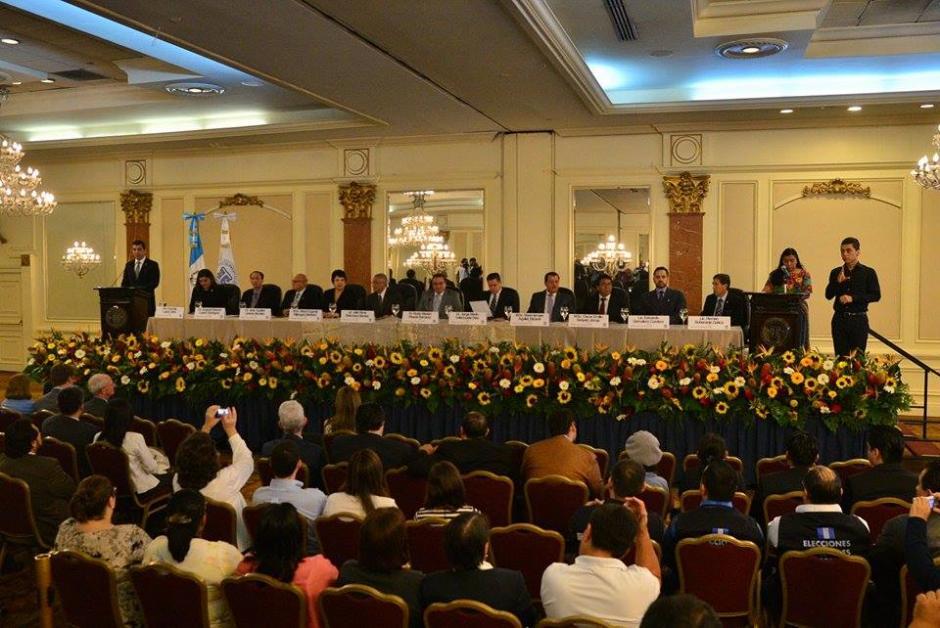 En un hotel de la capital se desarrolló la conferencia de prensa que brindó los datos de la segunda vuelta electoral. (Foto: Wilder López/Soy502)