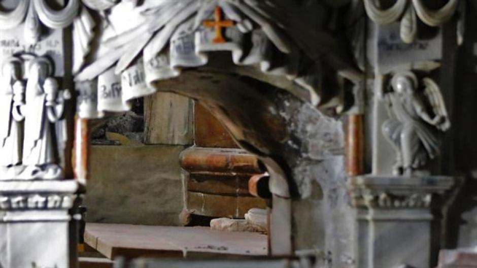 La tumba estaba cubierta, al menos desde 1555, por un revestimiento de mármol. (Foto: La Nación)