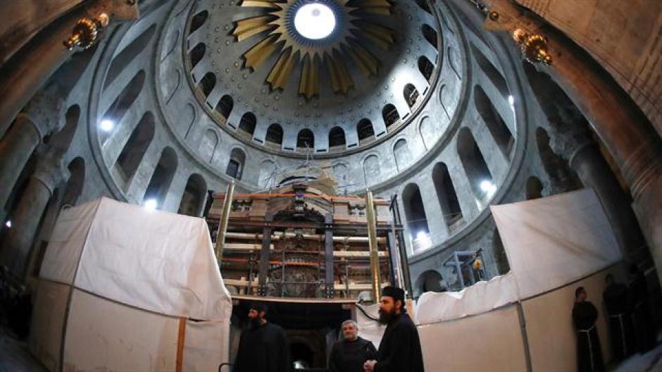 La apertura de la tumba fue parte de los trabajos de restauración del Santo Sepulcro. (Foto: La Nación)