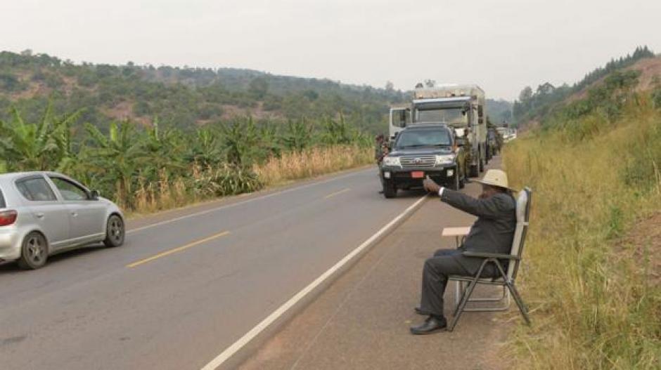En el continente africano la fotografía se viralizó y provocó la creación de memes.  (Foto: www.infobae.com)