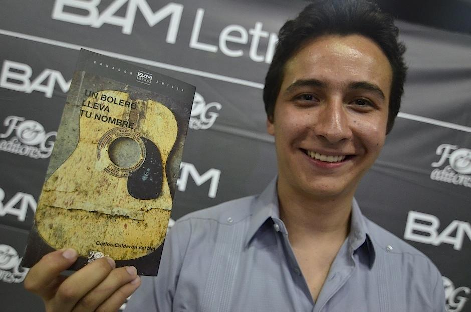 Carlos Calderón ganó el certamen nacional de cuento BAM Letras. (Foto: Selene Mejía/Soy502)