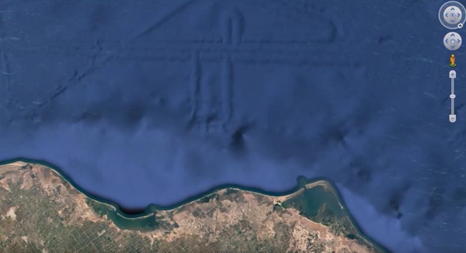 Tiene formas parecidas a las famosas Líneas de Nazca. (Captura de pantalla: MEXICOGEEK/YouTube)