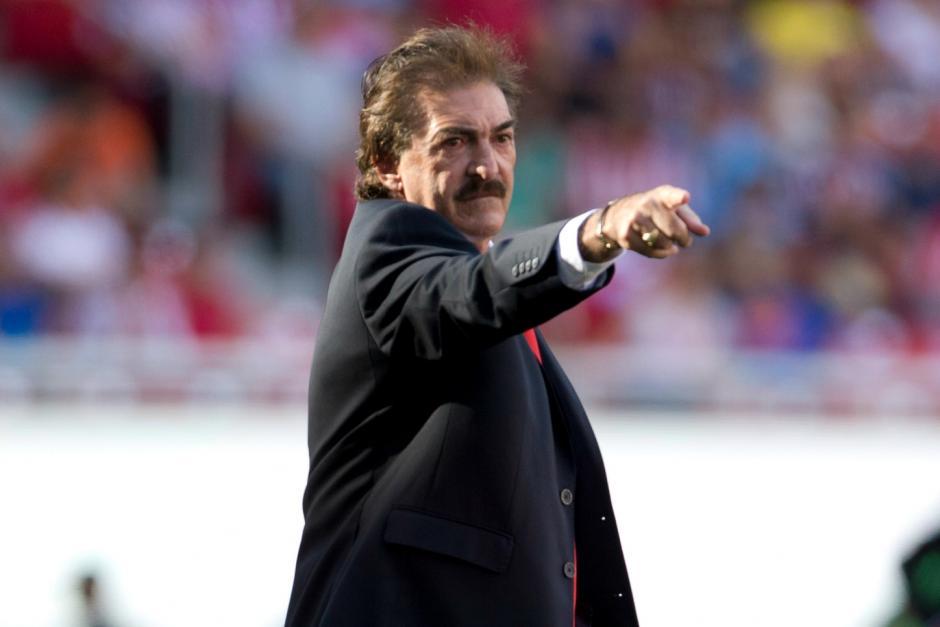 Ricardo La Volpe quiere que la FIFA cambie sus reglamentos y cada equipo juegue tan solo con 10 jugadores
