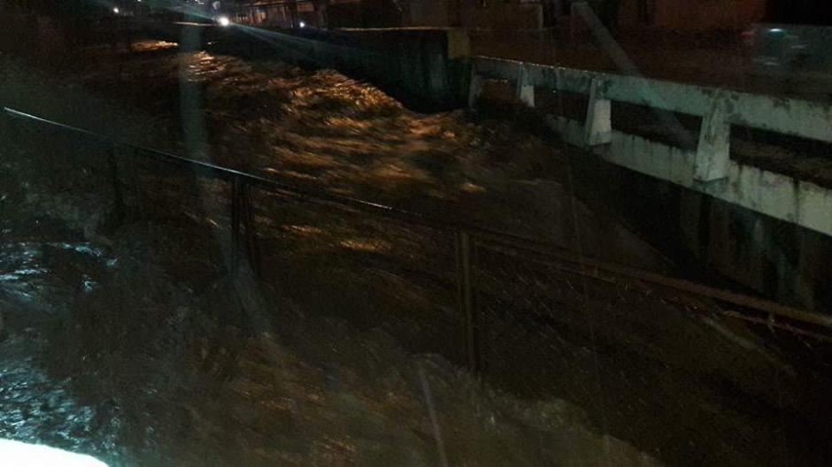 el Río Platanitos se salió de su cauce en Santa Inés Petapa. (Foto: Dalia Santos)