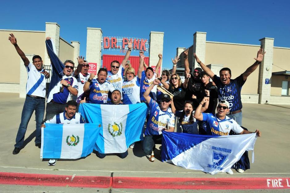 Los fieles seguidores guatemaltecos llegaron al Toyota Stadium. (Foto: Álvaro Yool/Nuestro Diario)