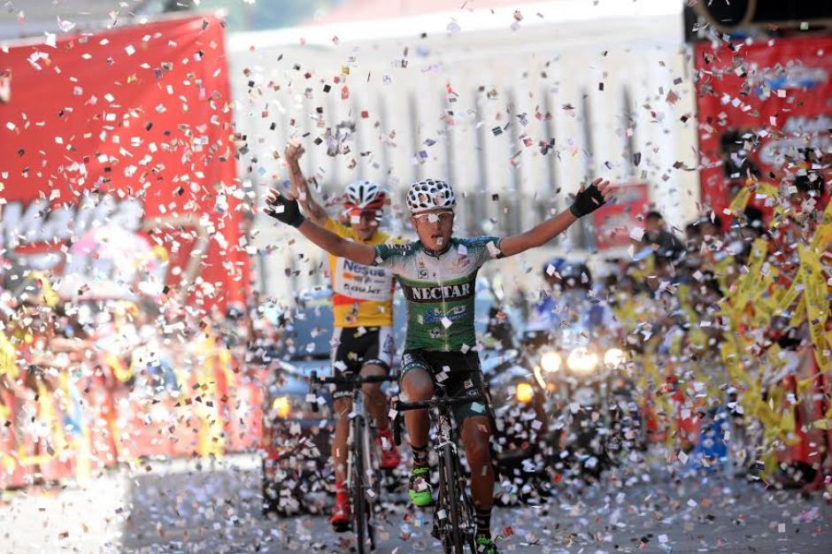 El ganador de la séptima y última etapa de la Vuelta Ciclística, el colombiano Wilmar Pérez