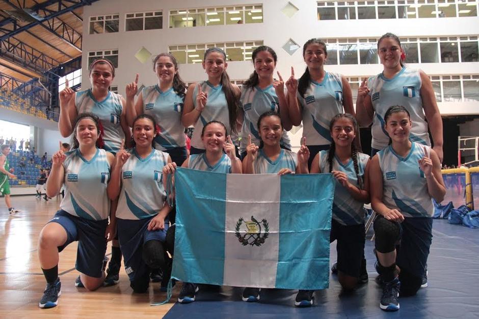 Las alumnas del Colegio Sagrado Corazón gana el oro en el baloncesto del Codicader. (Foto: Digef)
