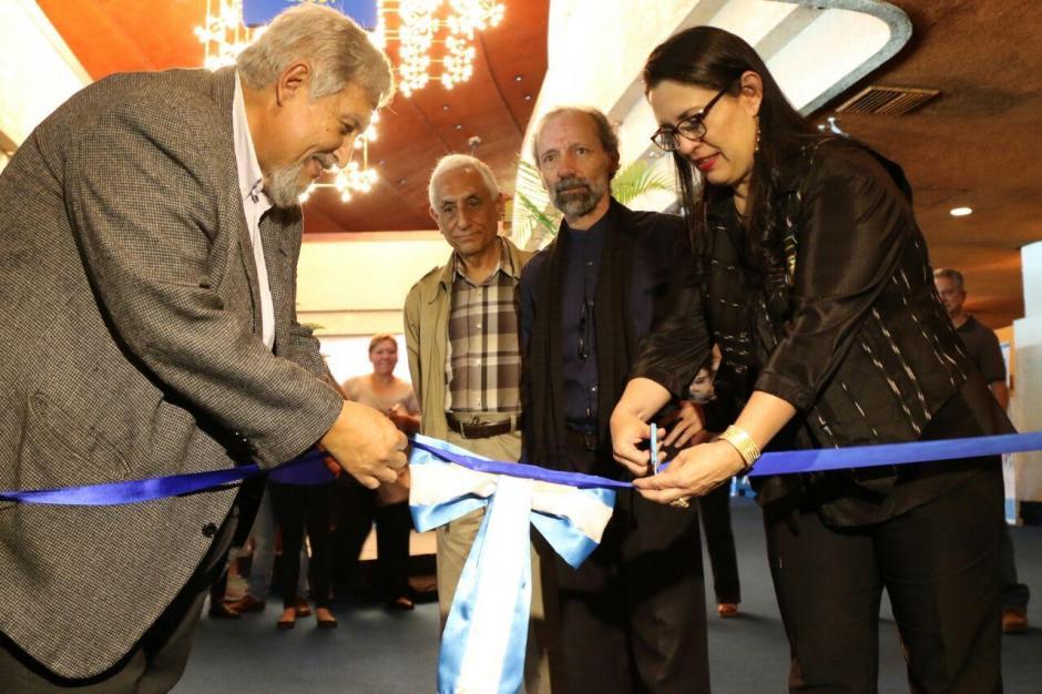 Familia y autoridades del Ministerio de Cultura y Deportes inauguraron el 1 de octubre de 2016 el Museo Efraín Recinos. (Foto: Alejandro Balan/Soy502)