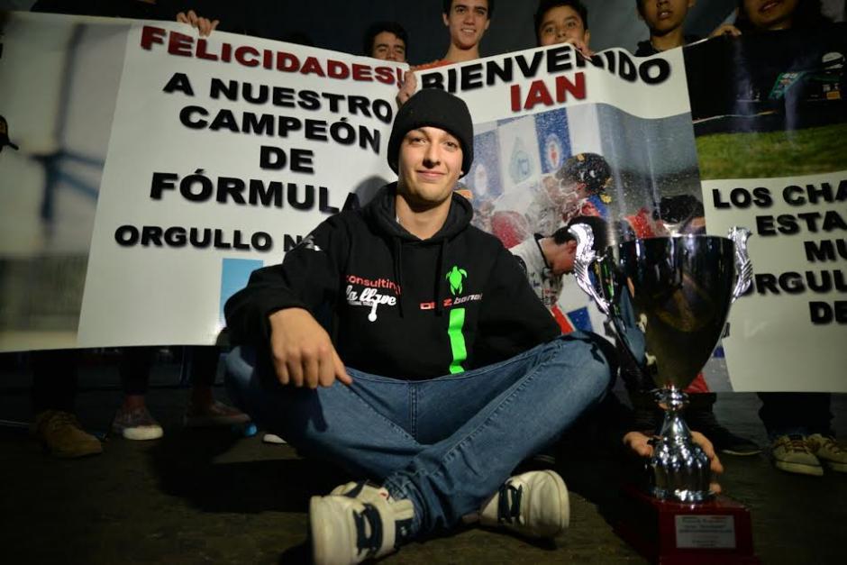 Rodríguez se mostró feliz de volver a Guatemala tras su última competencia en la Fórmula 4. (Foto: Wilder López/Soy502)