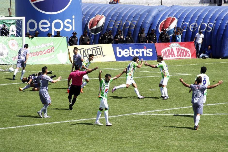 Con goles de Agustín Herrera y Jairo Arreola, Antigua GFC derrotó 2-0 a Carchá. (Foto: Nuestro Diario)