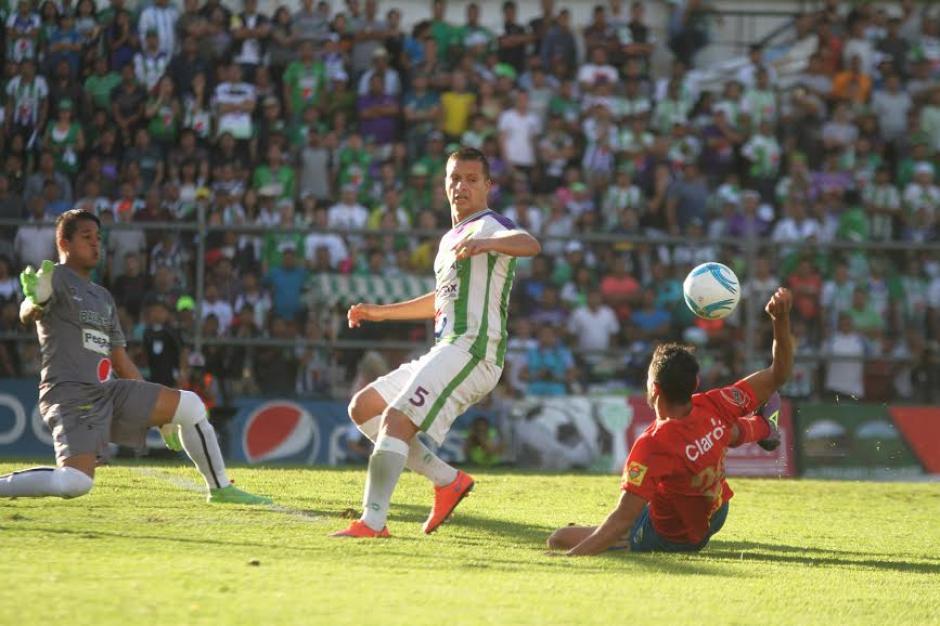 Los antigüeños lograron quedarse con la victoria en casa. (Foto: Fredy Hernández/Soy502)