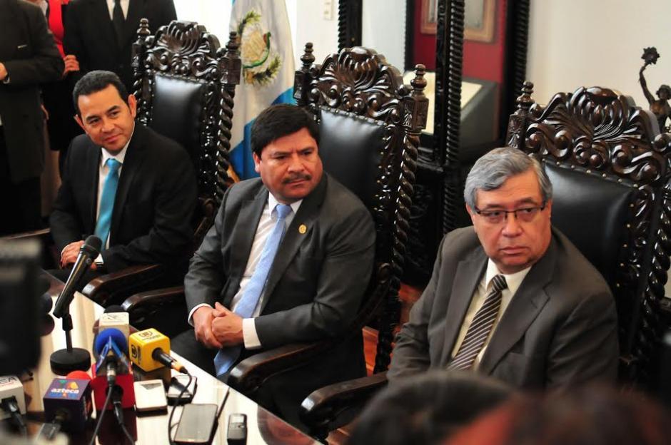 El presidente y Vicepresidente electos para gobernar los próximos cuatro años se reunieron con el presidente de la Corte Suprema de Justicia Rafael Rojas. (Foto: Alejandro Balán/Soy502)