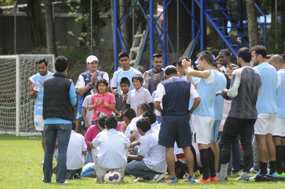 Niños y adolescentes del Hogar de Protección y Abrigo de la Secretaría de Bienestar Social de la Presidencia