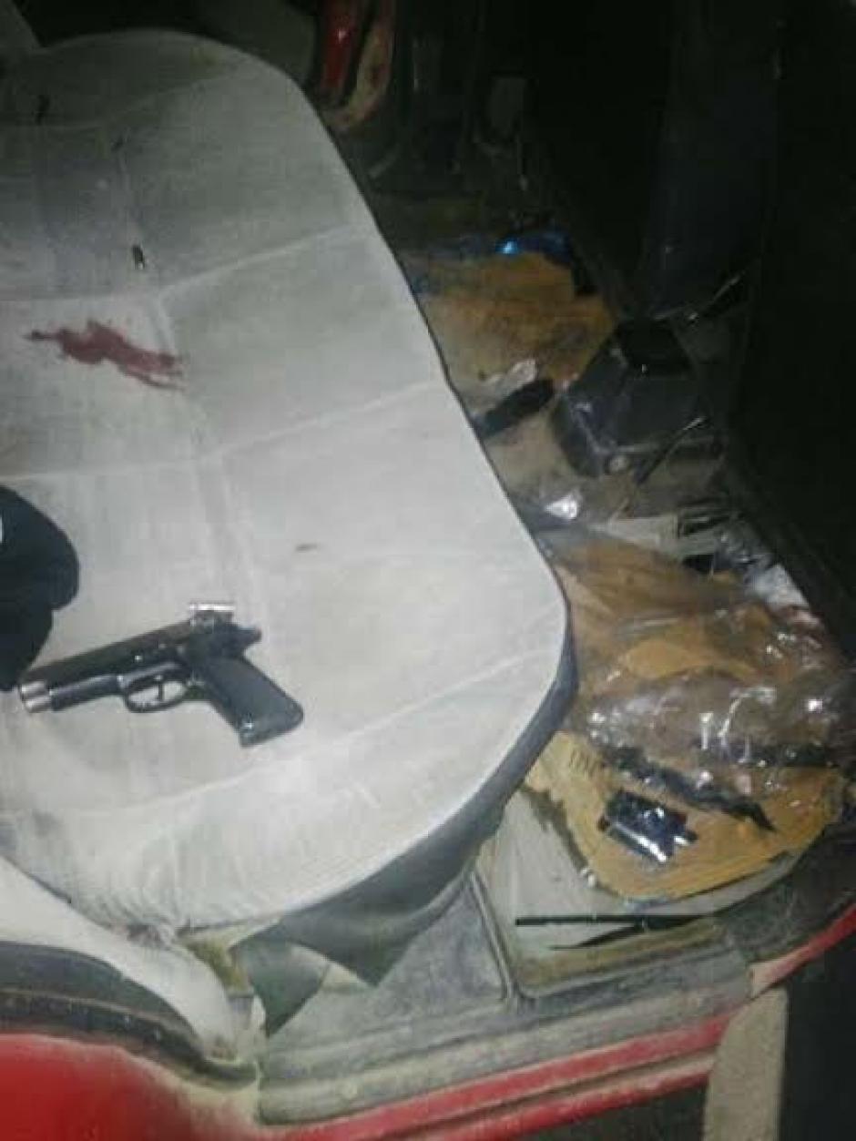 La autoridades decomisaron varias armas a los seis detenidos tras ataque armado ocurrido en la colonia El Milagro. (Foto: Policía Nacional Civil)