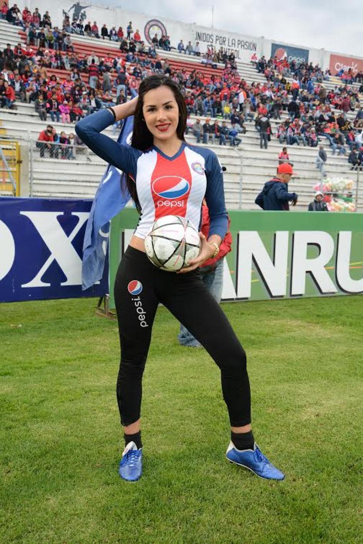 Ellas le dieron en toque sexy al Xela - Cremas en Quetzaltenango. (Foto: Nuestro Diario)