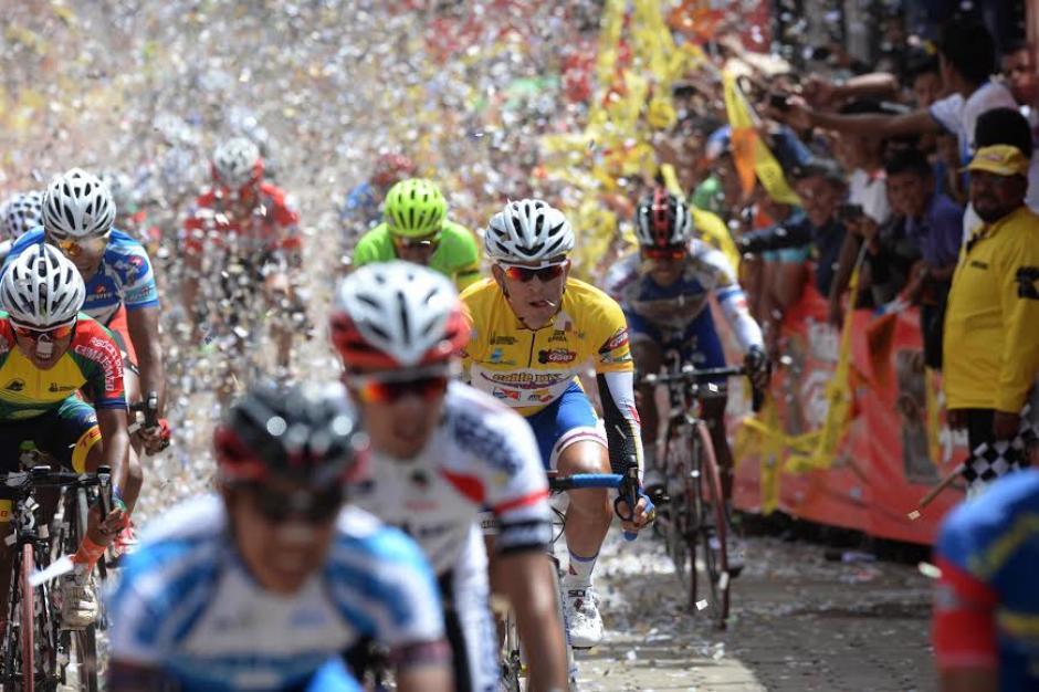 Manuel Rodas sigue siendo el líder general de la Vuelta Ciclística a Guatemala. (Foto: Diego Galiano/Soy502)