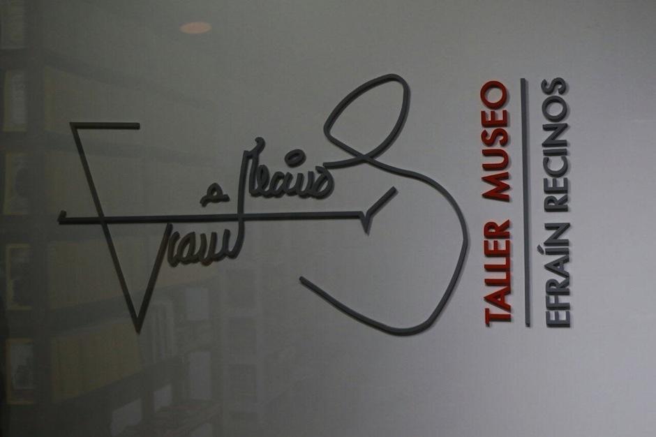 Esta es la firma del maestro. (Foto: Alejandro Balan/Soy502)