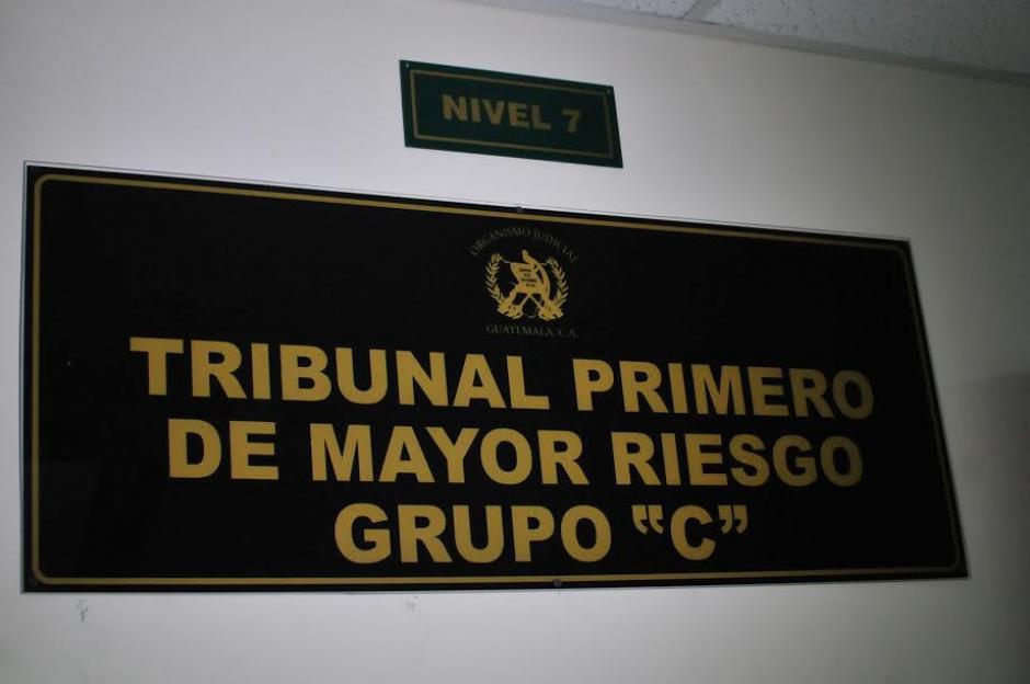 """Inauguran Juzgado Primero de Primera Instancia Penal, Narcoactividad y Delitos Contra el Ambiente """"C"""" que será presidido por Víctor Herrera. (Foto: Alejandro Balán/Soy502)"""
