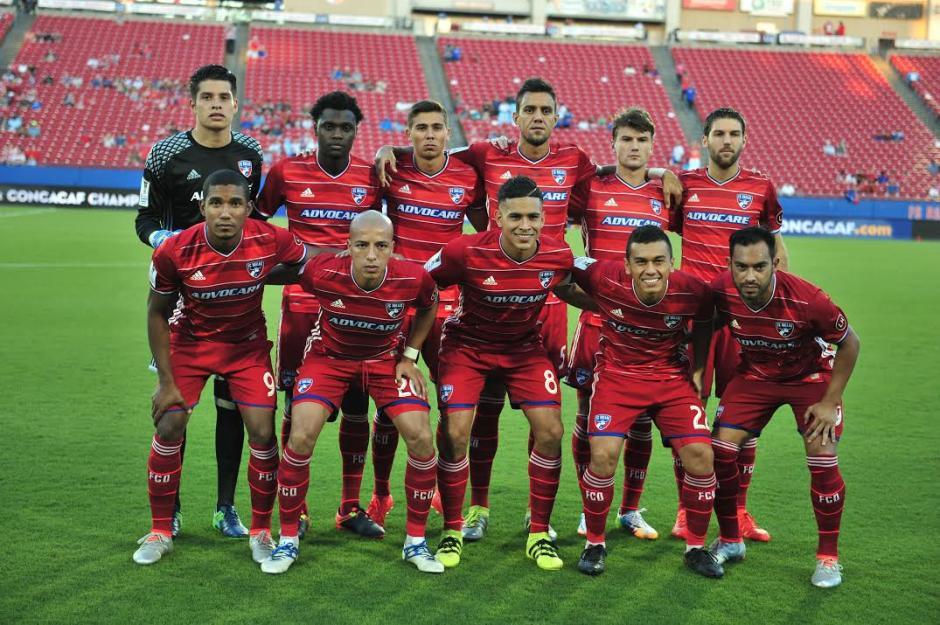 Así alineó el Dallas FC cpon Carlos Ruiz que debutó con el número 29. (Foto: Álvaro Yool/Nuestro Diario)