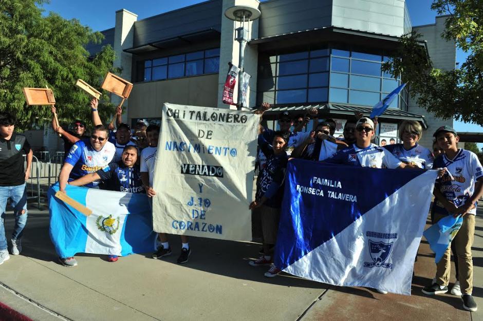 Los guatemaltecos apoyaron al campeón nacional en Dallas. (Foto: Álvaro Yool/Nuestro Diario)
