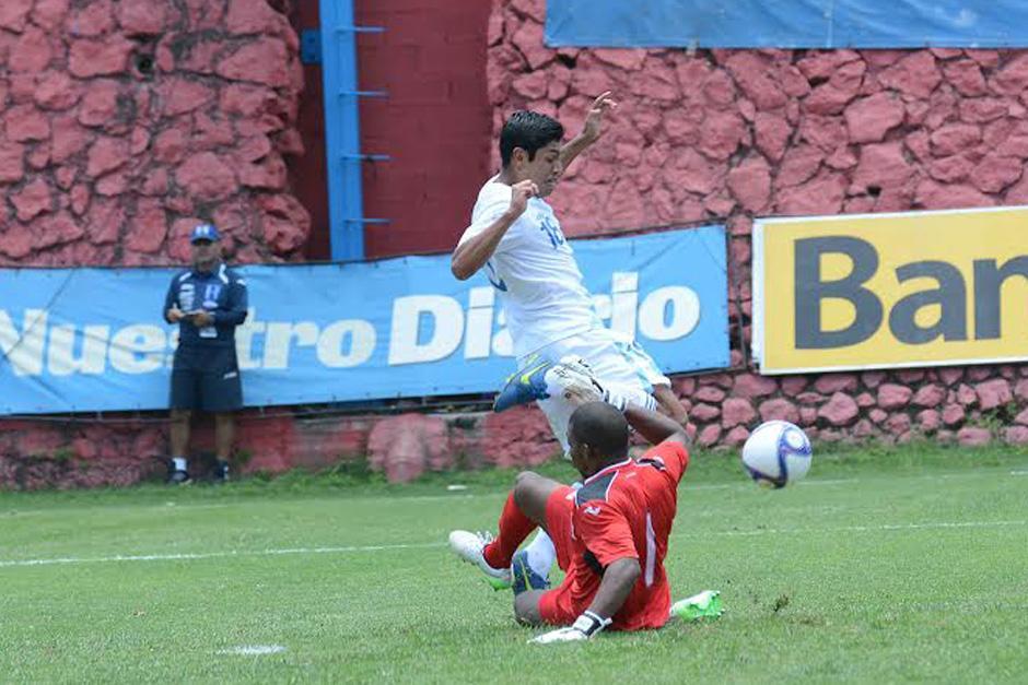 José Longo anotó el único tanto para Guatemala, pero Joshua Nieto hizo el doblete que le dio el triunfo a los catrachos. (Foto: Orlando Chile/Nuestro Diario)