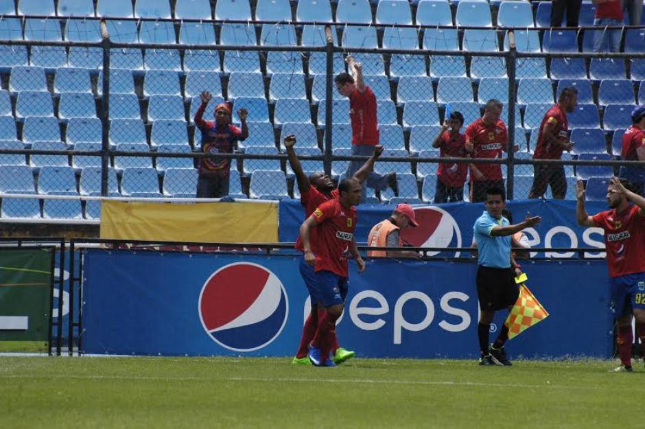 Oliva abrió el marcador al minuto 4 del primer tiempo. (Foto: Luis Barrios/Soy502)