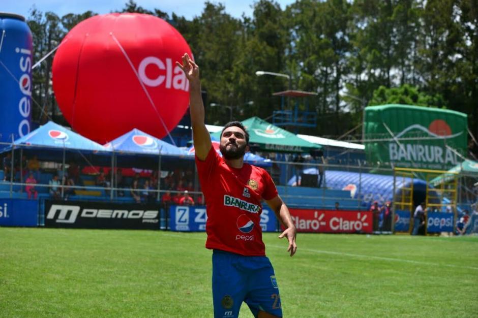 El delantero de Municipal espera seguir anotado muchos goles con los rojos. (Foto: Wilder López/Soy502)