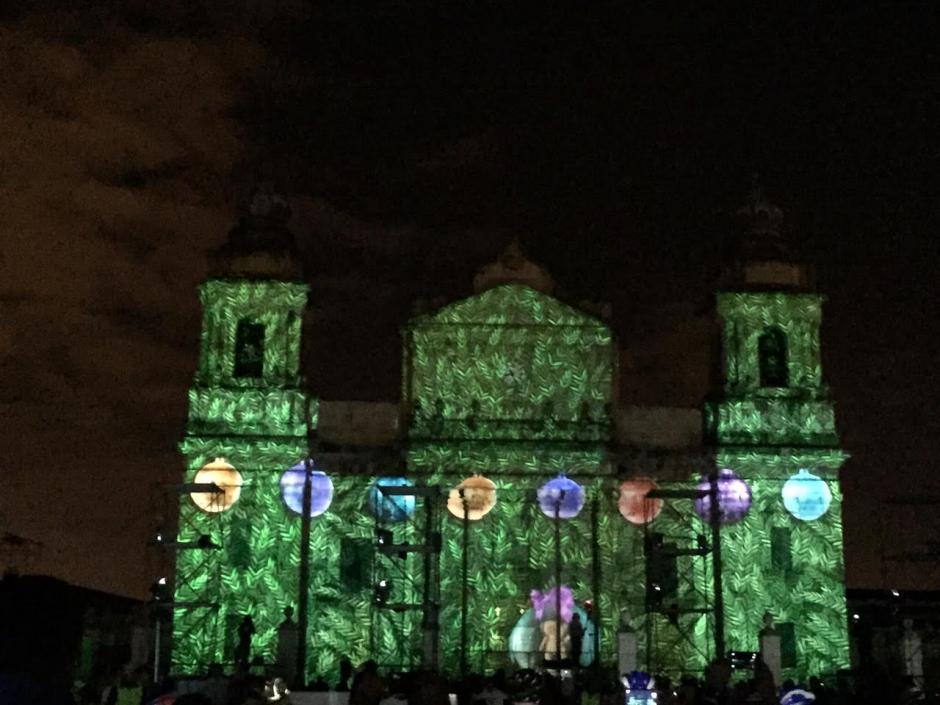 La Catedral Metropolitana lució todo su esplendor. (Foto: Gustavo Méndez/Soy502)
