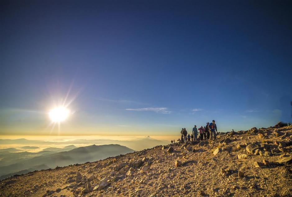 Ver el amanecer en el cráter del volcan Tajumulco es muy especial. (Foto: Marvin Castañeda)