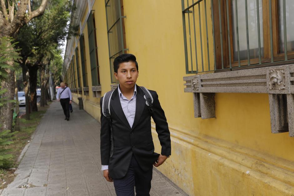 En el Mineduc va a trabajar va a apoyar en la unidad encargada de evacuaciones y protocolos de seguridad. Foto: René Ruano/Nuestro Diario)