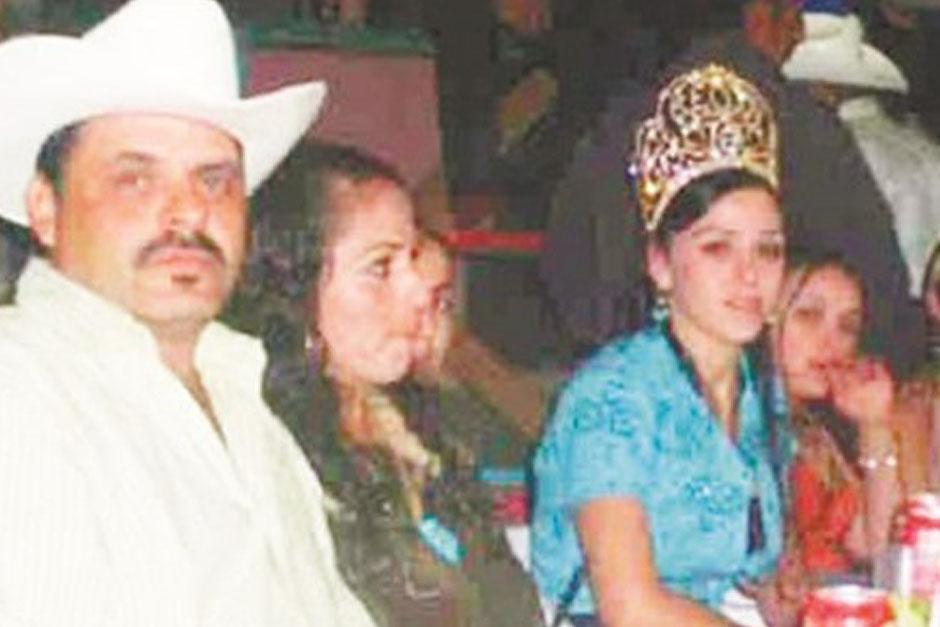 Emma Coronel fue liberada junto a sus hijas mellizas luego de capturar Joaquín Guzmán Loera